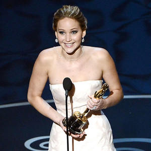 jennifer lawrence falls at Oscar