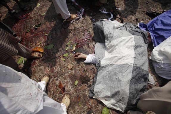 bomb-blast-in-peshawar-pakistan