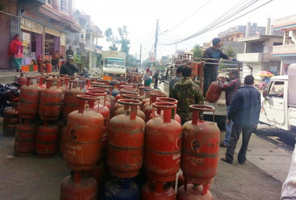 Cooking gas price dearer by Rs 25