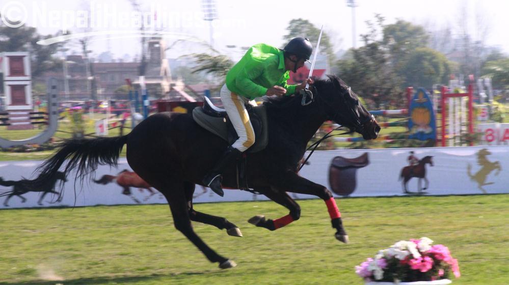 टुडिखेलमा घोडेजात्राको रौनक (फोटो फिचर)