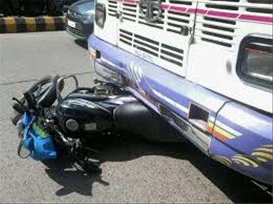 बसको ठक्करबाट मोटरसाइकल चालकको मृत्यु