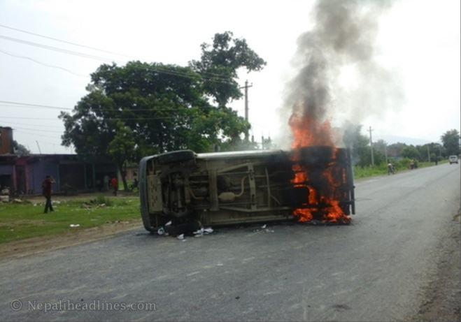 Nawalparasi bus in fire nepal strike (2)