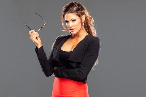 Eve-Torres-with-glass