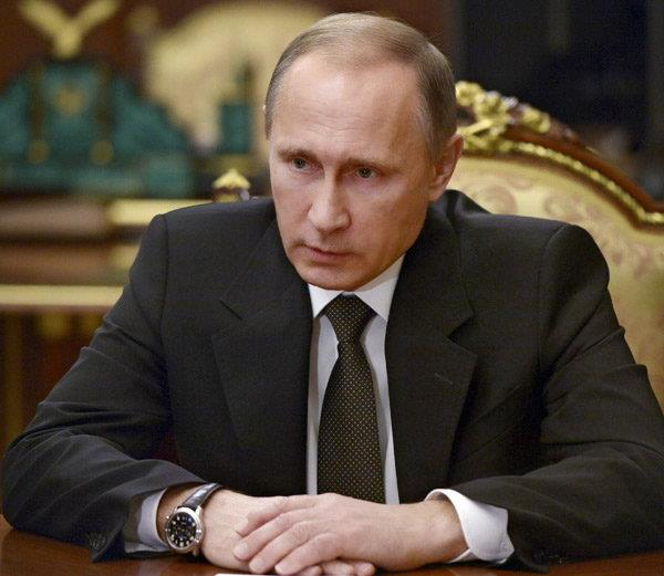 Putin says 2016 'difficult' but full of accomplishments