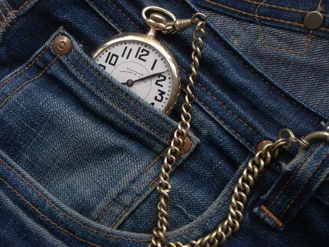 Use of Small Pocket of Jeans Pant (1)