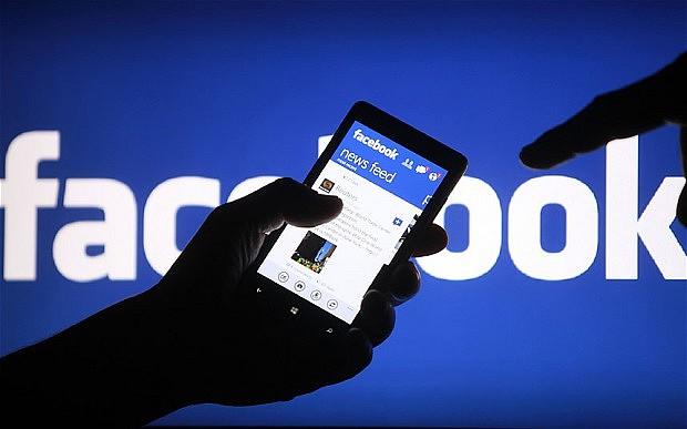 २ घण्टा फेसबुक डाउन, आफैँ लगआउट हुने एकाउन्ट खतरामा