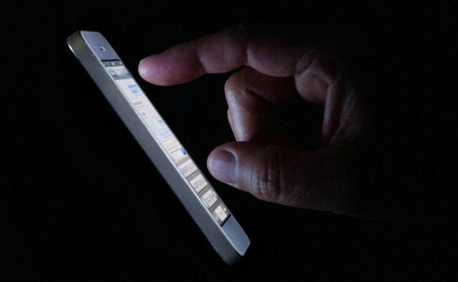 smart phone in darkness 1