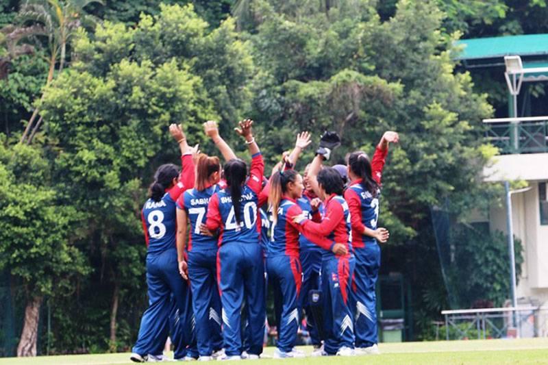 महिला क्रिकेट टोली चीन उड्यो