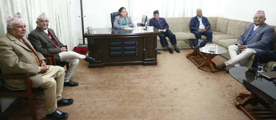 oli-at-3-party-meeting-with-speaker