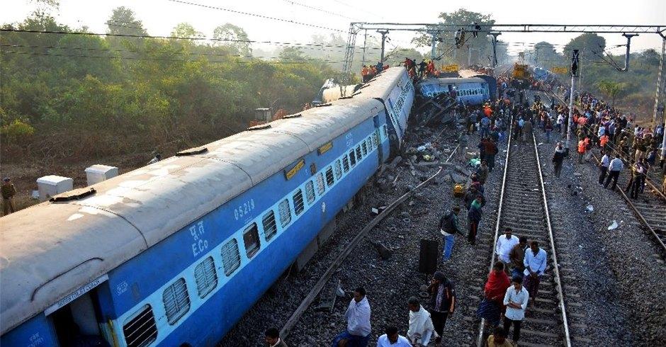 रेल दुर्घटना हुँदा कम्तिमा ५० जनाको मृत्यु, २३ घाइते