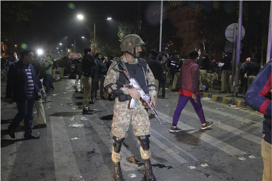 Taliban suicide bomber strikes Pakistan rally, killing 13