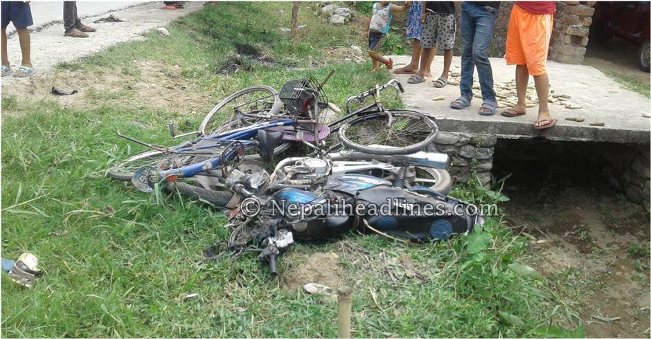 मोटर साइकल दुर्घटनामा क्षयकुष्ठ अधिकृतको मृत्यु