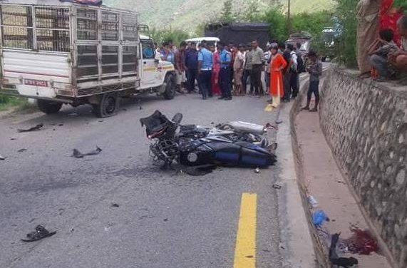 चन्द्रागिरीमा भयानक दुर्घटनाः ट्रकले मोटरसाइकललाई हान्यो, एकको मृत्यु