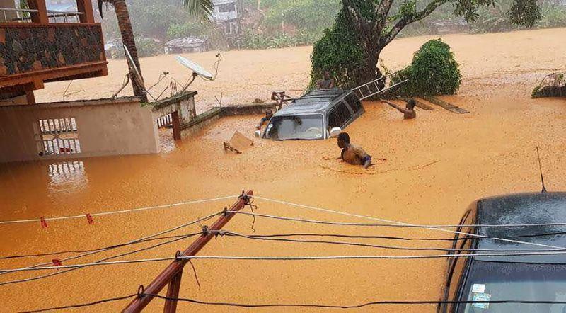 सियरा लियोनमा बाढीबाट ४०० को मृत्यु, ६०० हराए