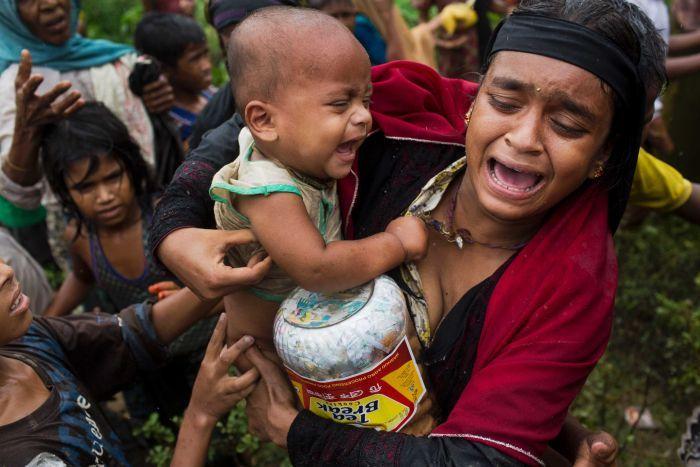 बङ्गलादेश जाने क्रममा रोहिङ्गा समुदायका १०० जनाको मृत्यु