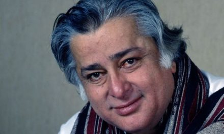 Veteran Bollywood actor Shashi Kapoor dies at age 79