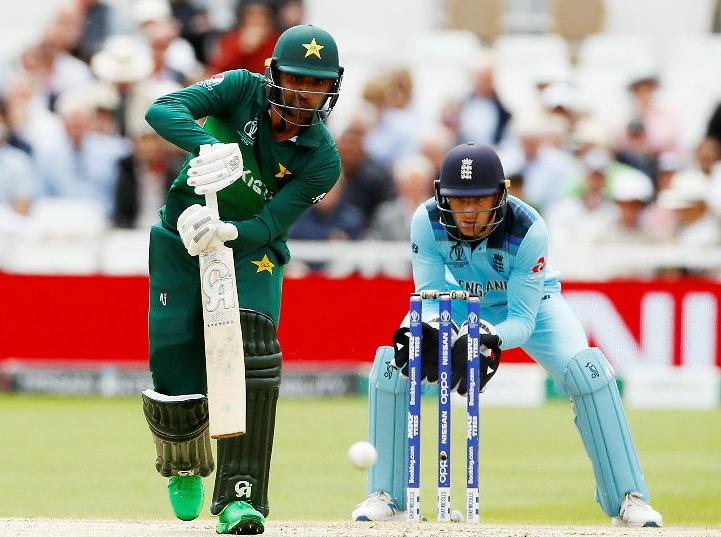 विश्वकप क्रिकेट:इङ्ल्यान्डविरुद्ध पाकिस्तान ब्याटिङ गर्दै