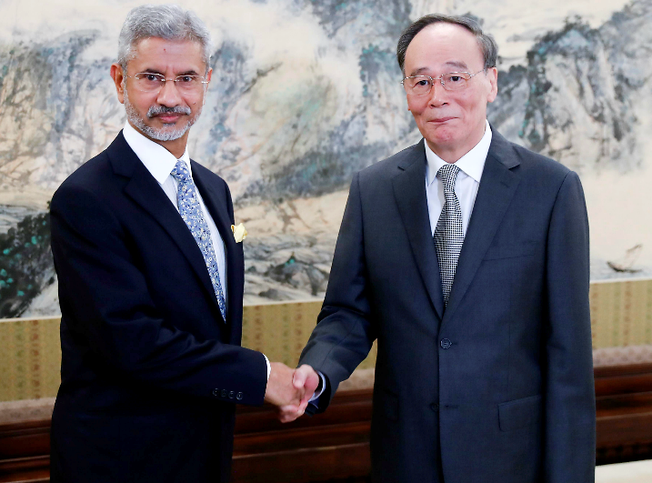 पाकिस्तानकाे पक्ष लिएपछि चीनमा भारतकाे सक्रियता !
