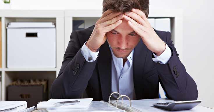यी कारणले हुन्छ अफिसमा तनाव, यसरी गर्नुस् समाधान