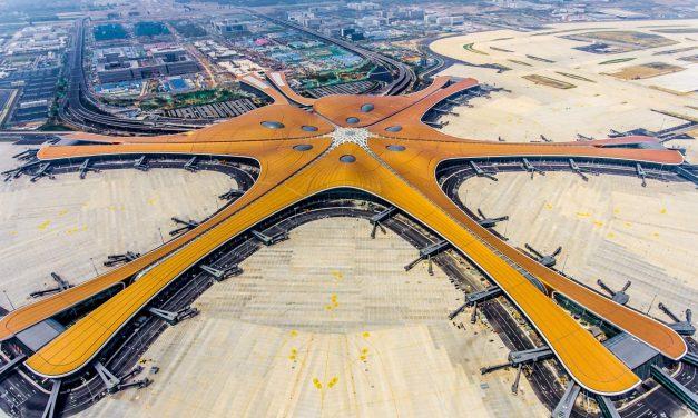 यस्तो छ चीनले आज उद्घाटन गरेको विशाल विमानस्थल (फोटो फिचर)