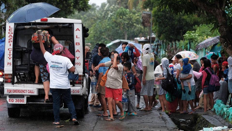 फिलिपिन्समा कामुरी आँधीबाट मर्नेको सङ्ख्या १७ पुग्यो
