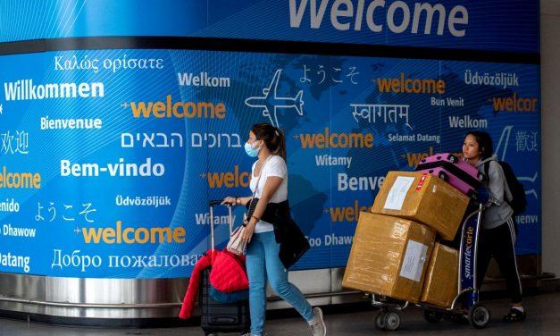 अष्ट्रेलियामा गैरआवासीयहरूमाथि यात्रा प्रतिबन्ध