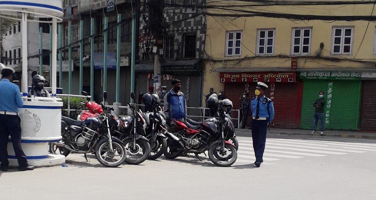काठमाडौंबाट मात्रै २ सय ३५ सवारी साधन नियन्त्रणमा