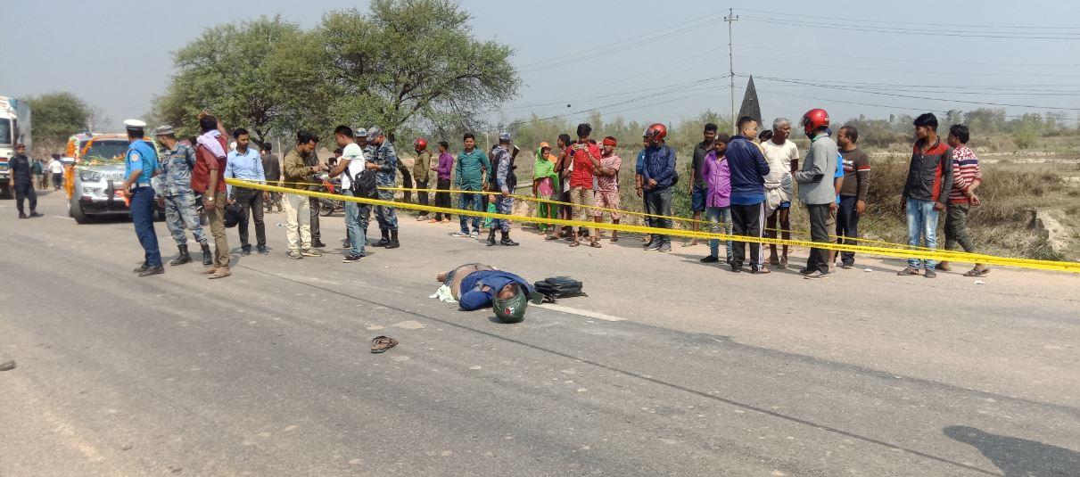 ओभरटेक गर्न खोज्दा दुर्घटना, मोटरसाइकल चालकको मृत्यु